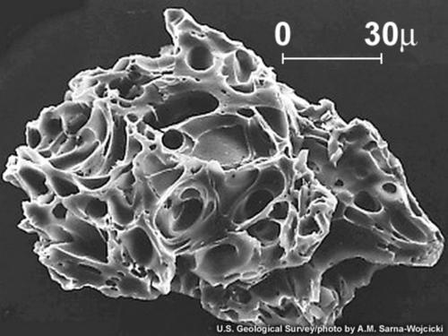 Pył wulkaniczny (wybuch wulkanu. Św. Heleny)